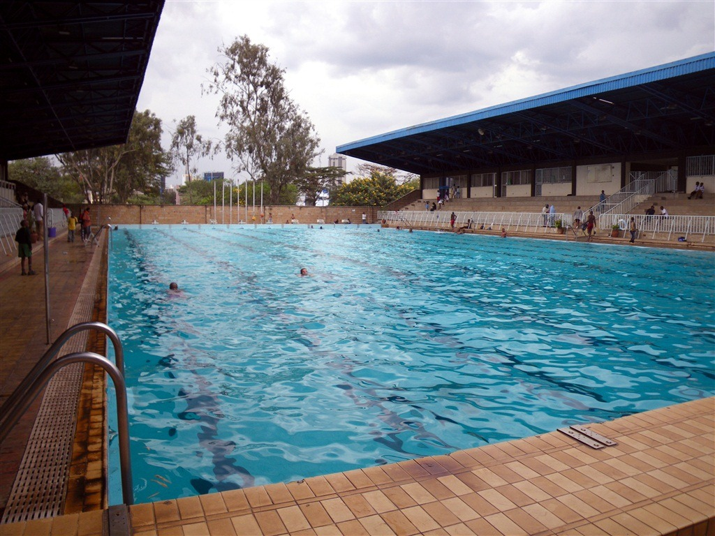 Swimming In Kenya S Nyayo National Stadium Dc Rainmaker
