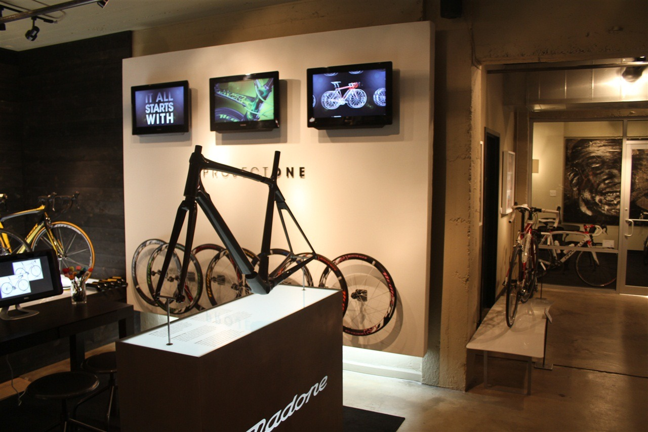 A Look Inside Lance Armstrong S Bike Shop Dc Rainmaker