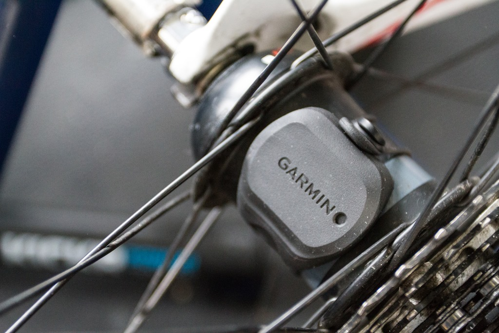 Is The Garmin Cadence sensor safe? looks dodgy to me ...