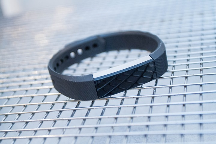 Fitbit-Alta-Front-Black-Band