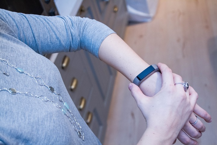 Fitbit-Alta-Womens-Wrist2