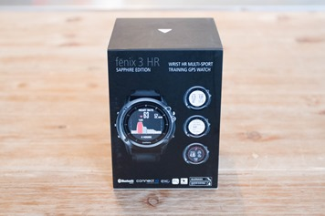 Garmin-Fenix3HR-Box-Back