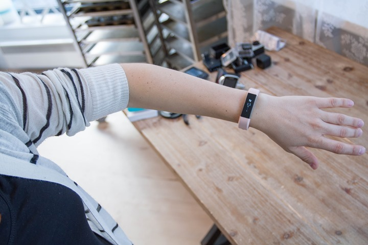 Fitbit-Alta-Pink-Leather-Band-Size-Worn