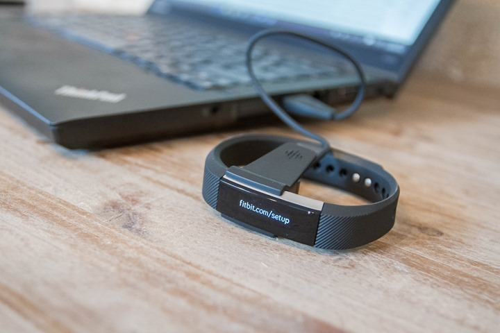 Fitbit-Alta-USB-Charging