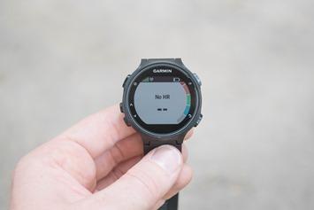 Garmin-FR735XT-OpticalHR-Waiting