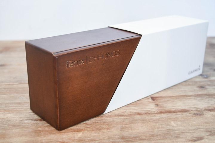 Garmin-Chronos-Engraved-Box