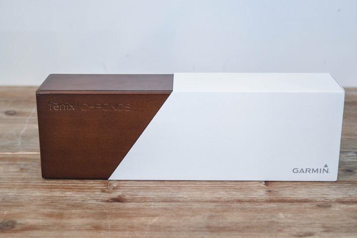Garmin-Chronos-Unboxing-Front-Of-Box