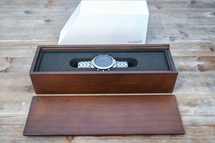 Garmin-Chronos-Unboxing-Opened-Box