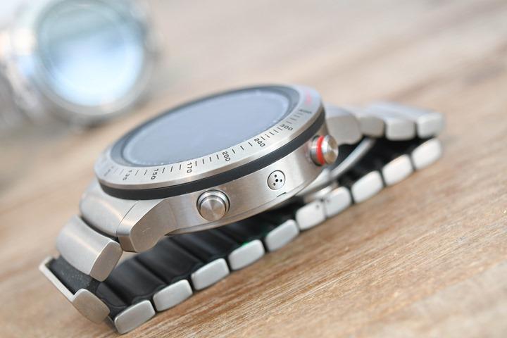 Garmin-Fenix-Chronos-Titanium-Side-Button