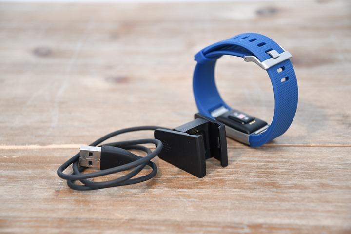 Fitbit-Charge-2-ChargingClip
