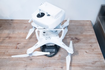 DJI-Phantom4-Controller-and-Drone-Weight