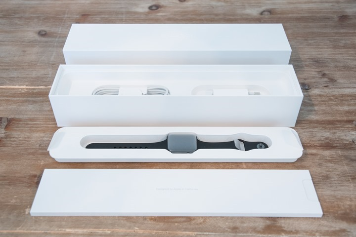AppleWatch-Series2-Unboxed