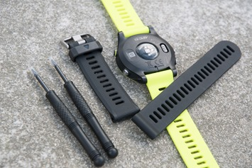 Garmin-FR935-Black-Band-Extra-Bundle