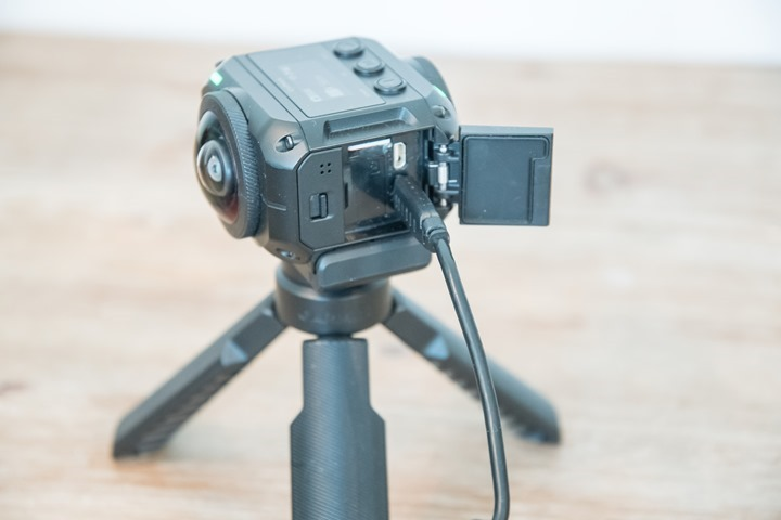 Garmin-VIRB-360-Regular-Charging