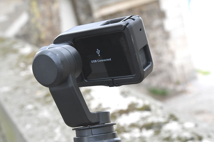 GoPro-Karma-Grip-Stuck-USB-Connected