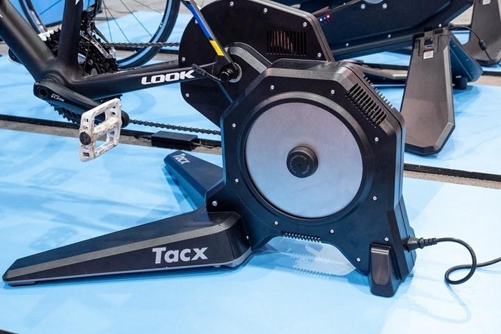 Der Tacx Flux S Smart Heim Trainer Aufbau