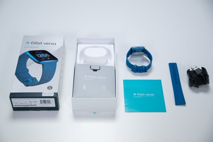 Fitbit-Versa-Lite-Box-Contents